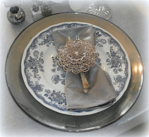 How To Decorate A Charger Plate by Diy Mercury Glass Charger Plates Tip Junkie