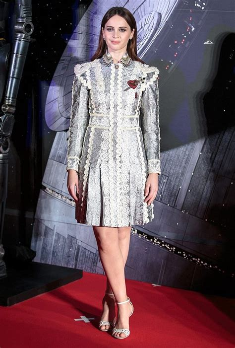 felicity fey new style for 2016 2017 felicity jones in gucci at rogue one a starwars story