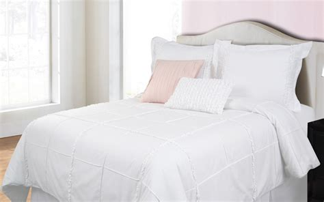 American Made Bedding by Hallmart Collectibles Showcases Us Made Bedding Sleep