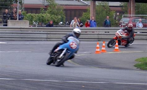 Motorrad Fahren Enge Kurven by Rennveranstaltungen Mit Wankelmotorr 228 Dern 2006