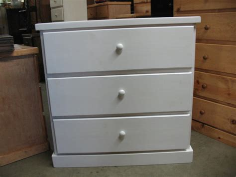 Affordable Dressers by Cheap Modern Dresser Peugen Net