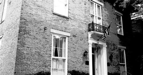 haunted houses in columbus ohio the kelton house in columbus ohio is one of that city s most haunted buildings it
