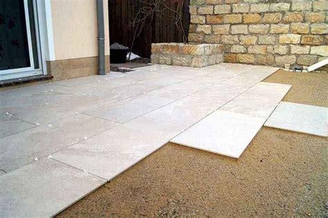 keramikplatten terrasse kaufen drainageverlegung terrassenplatten eska drain drainestrich
