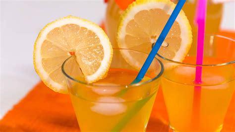 sciroppo di limoni fatto in casa sciroppo di limone fatto in casa