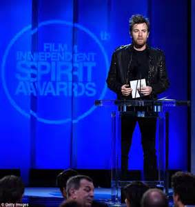 Shiny Awards 2007 Coming Soon by Ewan Mcgregor Pulls Up To The Independent Spirit Awards On