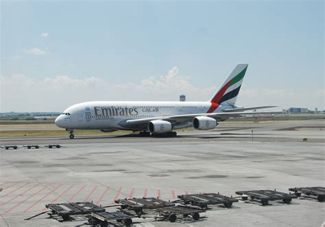 emirates johannesburg spotting emirates airbus a380 johannesburg airport