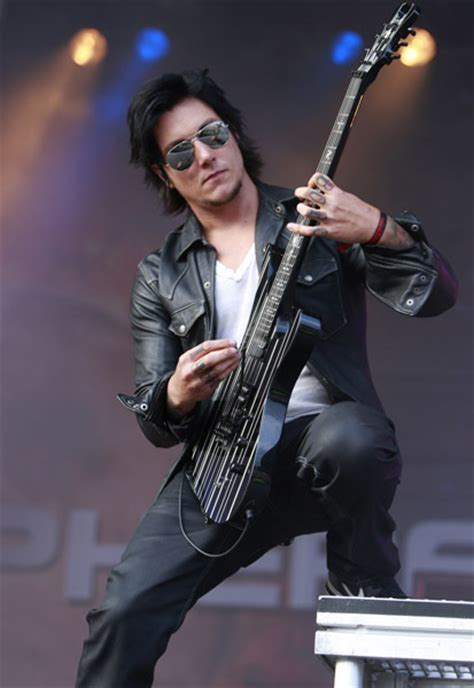 synyster gates syn sonisphere pics synyster gates photo 7439540 fanpop
