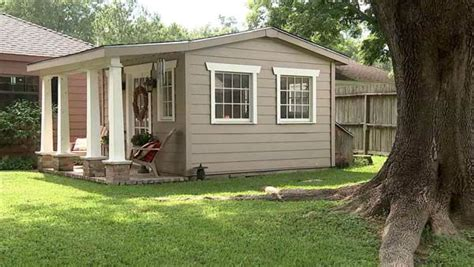 she sheds for sale women escape to backyard she sheds abc13 com