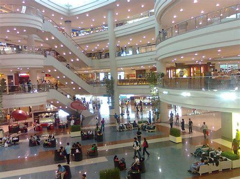 robinsons place mall in manila shopping in manila