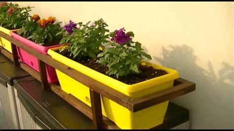 porta vasi fai da te porta vasi fioriere con legna riciclata da vecchi bancali
