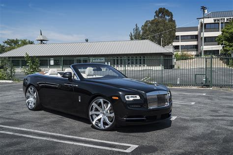 forgiato rolls royce first rolls royce dawn gets forgiato wheels autoevolution