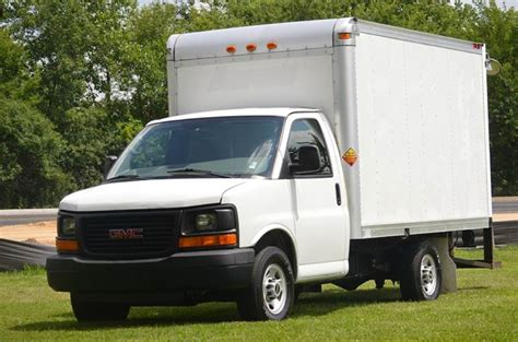2009 GMC Savana 10 ft Box Truck   Crystal Lake IL