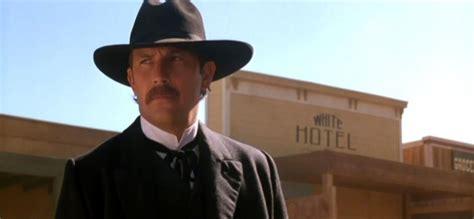 cowboy film wyatt earp movie review wyatt earp 1994 fernby films