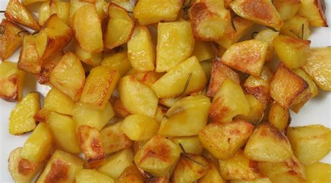 ricette per cucinare le patate ricetta patate al forno ricette di buttalapasta