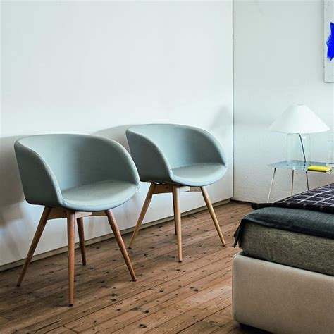 Chaise Accoudoir Scandinave by Chaise Scandinave Bleu Midj Avec Accoudoirs Sur Cdc Design