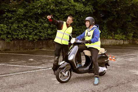 Motorrad Grundkurs Teil 3 by Test Und Trainingsgel 228 Nde Fahrschule Aare