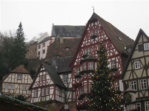 quaint german town travel places pinterest fraenkischer rotwein wanderweg quaint german town