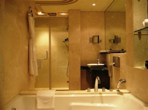 hotels in hyderabad with bathtub room bathroom picture of vivanta by taj begumpet