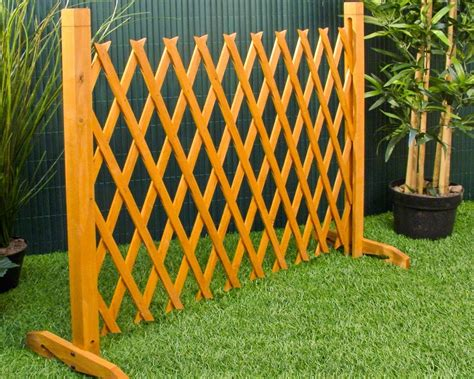 how to build a backyard fence how to build free standing outdoor fence roof fence futons