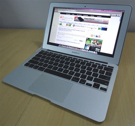 Second Macbook Air 11 Inch macbook air 2011 with bridge processors backlit keyboards thunderbolt os x