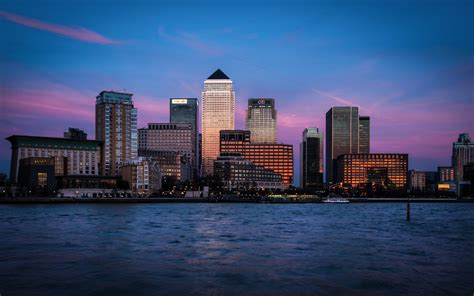 canary wharf canary wharf at night 45 wallpapers hd desktop wallpapers