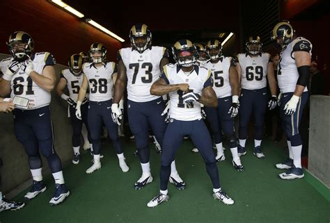 the rams free l a rams plan to keep current uniforms until 2019 la times