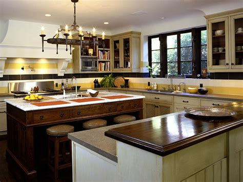 classic kitchen backsplash trend with white cabinets decor ideas new hot trend 20 tasteful ways to add stripes to your kitchen