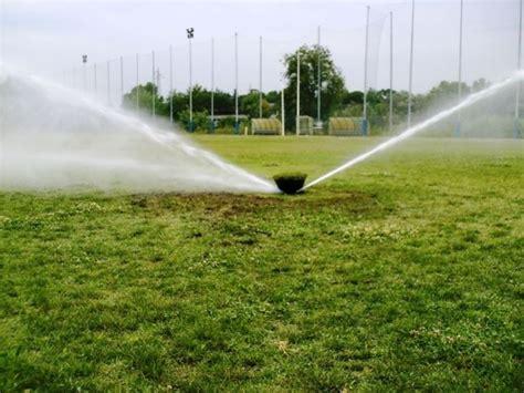 irrigatore da giardino irrigatore materiali per il giardino come scegliere un