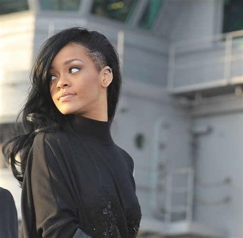 how to style a sidecut rihanna with a sidecut celebrity hairstyle of the week