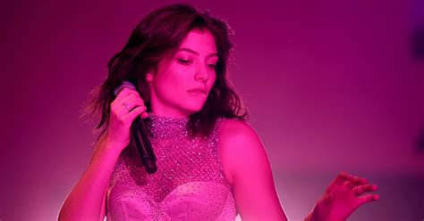 Clarkson New Single Sober by Hear Lorde Navigate Weekend On New Song Sober