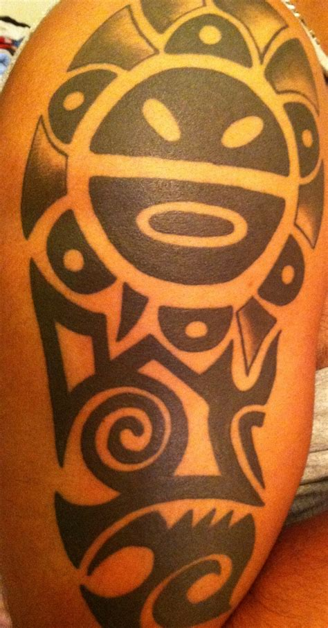 sol taino tattoo black taino sun on half sleeve