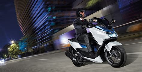 125 Er Motorrad Autobahn by Gebrauchte Honda Forza 125 Motorr 228 Der Kaufen