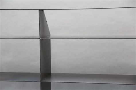 regal unter dachschräge stahl regal f 252 r eine einbausituation unter einer dachschr 228 ge