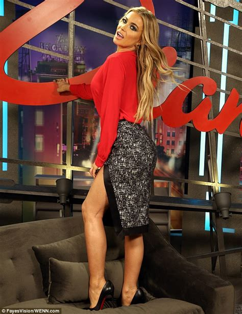 carmen electra carmens oxblood ensemble is all about texture carmen electra stuns as she promotes new dating show ex