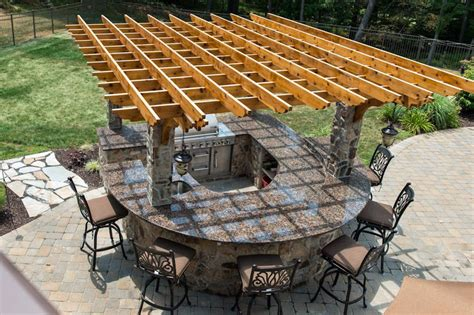 outdoor kitchen with pergola 2015 outdoor living trend outdoor kitchens