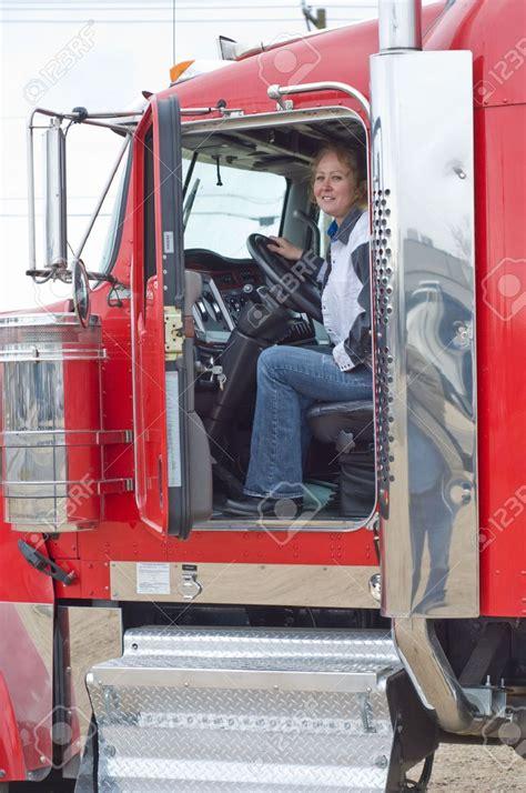 donne al volante di camion lavori maschili fatti da donne e viceversa l italia senza