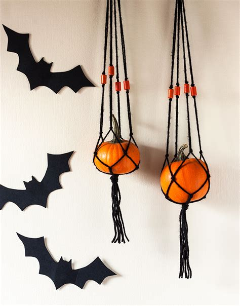 Halloween Pumpkin Making - diy mini pumpkin macrame hanger