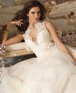 wedding dresses for a fall wedding cheap wedding gowns finding the fall