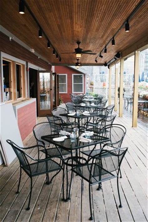 boones fish house outdoor waterfront seating fotograf 237 a de boone s fish house oyster room portland