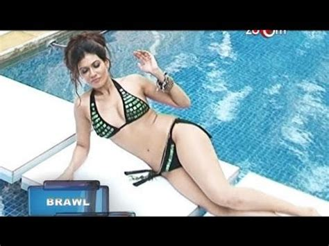 Wardrobe Malfunction Definition by Salman Is Upset With Aamir Jacqueline S Wardrobe