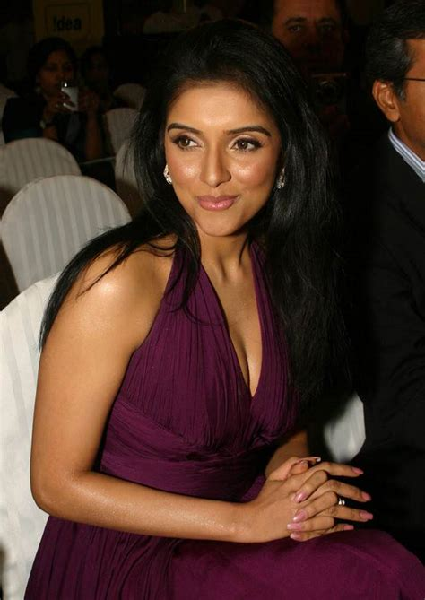 bollywood actress height without shoes asin measurements bra size height weight ethnicity
