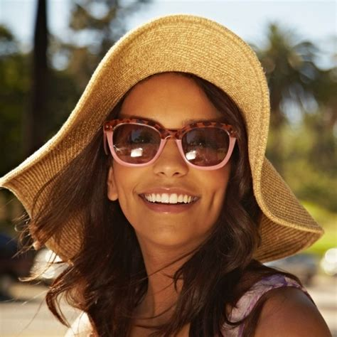 female erasure what you 0997146702 how to protect your eyes from sun damage and uv rays good housekeeping