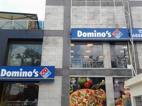 Domino Pizza Outlet | file dominos pizza outlet jpg wikimedia commons