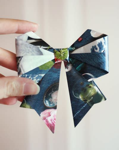 Origami Present Bow - savvy housekeeping 187 recycling