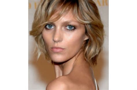 pixie haircuts for triangular faces inverted triangle face shape celebrities