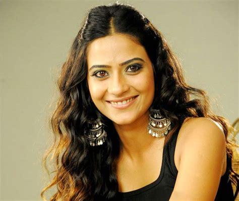 hindi heroine biodata telugu actress heroine aditi sharma profile and bio data