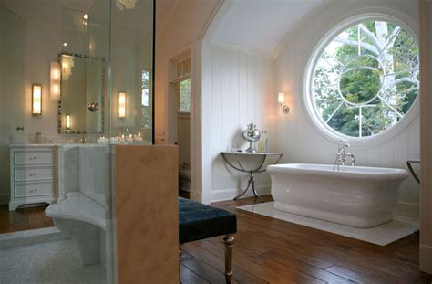 look this beautiful big window don have any neighbors and small functional bathroom design ideas