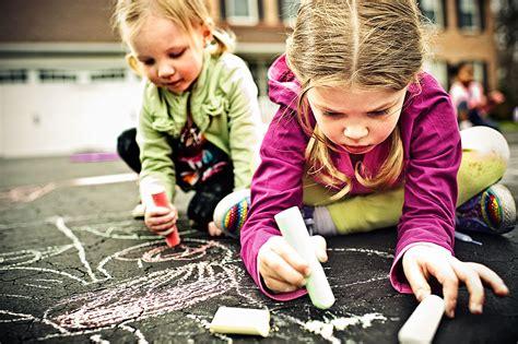 sculacciate a letto bellissime immagini di bambini giocano easyprint