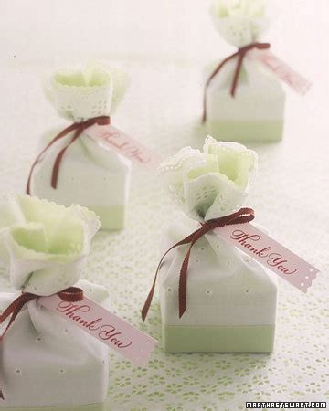 martha stewart wedding favors do it yourself 2 lacy favors step by step diy craft how to s and
