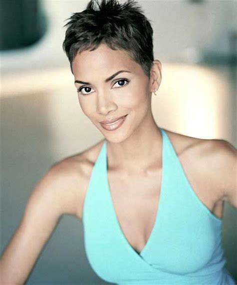 how to style a pixie cut like halle berry 20 best halle berry pixie cuts halle berry pixie pixie